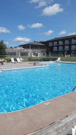 Rodd Brudenell River Resort: Outdoor pool