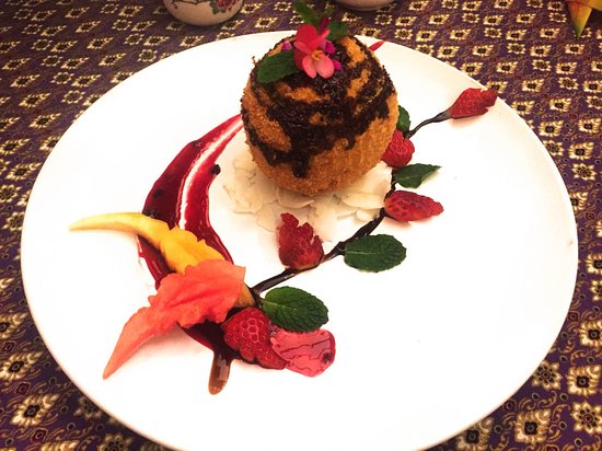 Taste of Thai Restaurant and Spa: Fried  Coconut Ice cream