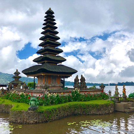 Ulun Danu Bratan Temple: photo1.jpg