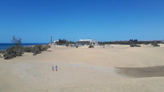 Playa de Maspalomas: Kulisou v pozadí je maják