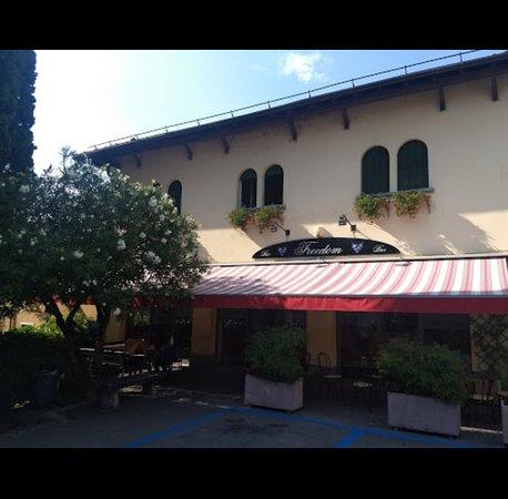 Lierna, Włochy: BAR La Piazza