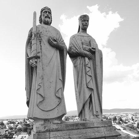 Statue of Szent István and Gizella