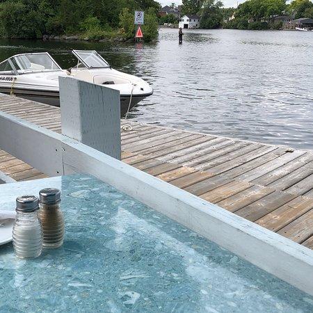Water's Edge Restaurant: photo1.jpg