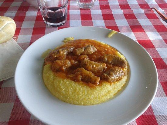 Colle Brianza, إيطاليا: salsiccia e polenta