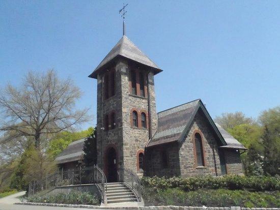 The Evergreens Cemetery
