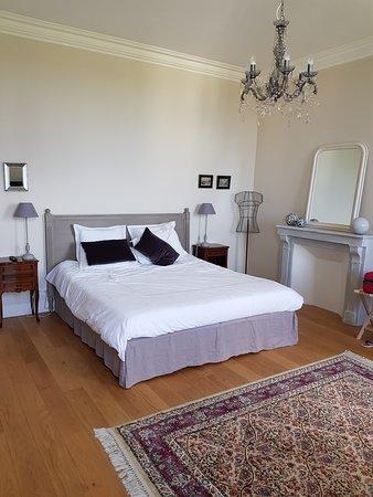 Guisseny, France: Une partie de la chambre 20/25 m2