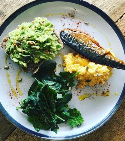 Keynsham, UK: Mackerel, avo and scrambled egg brunch