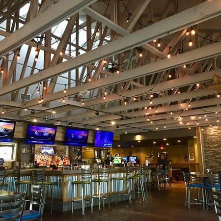 The Boatyard Bar And Grill Pensacola Restaurant Reviews