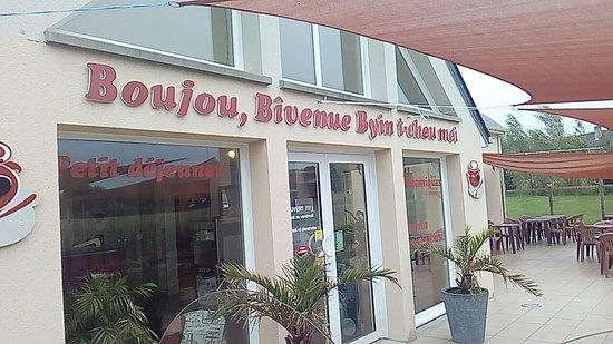 Formigny, France : Snapchat-620134591_large.jpg