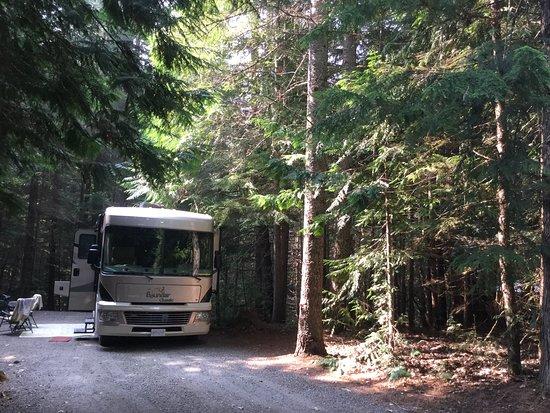 Birken, Canada: Large sites with lots of vegetation