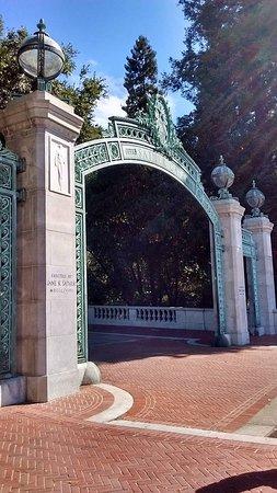 University of California, Berkeley: UC Berkelry 正門