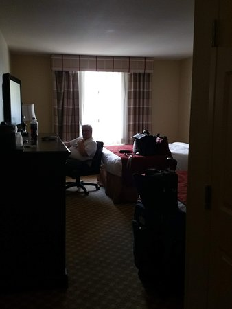 nice work desk in a comfy space picture of ayres hotel barstow rh tripadvisor com