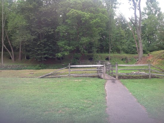 Leetonia, OH: Walking trail to additional ovens