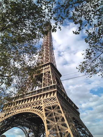 Where to book eiffel tower tickets