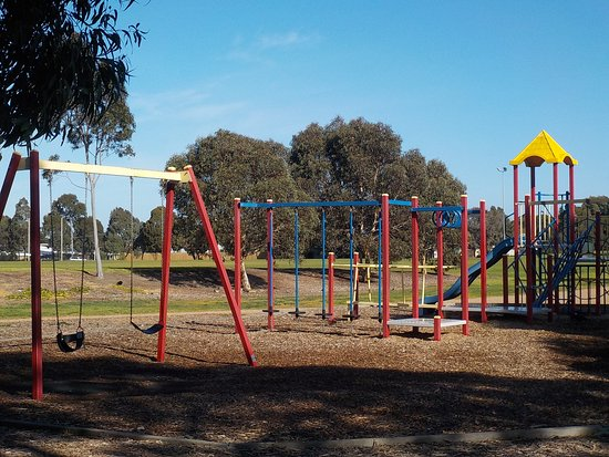 Glenroy, Αυστραλία: Playground at North end of reserve