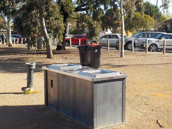 Glenroy, Australia: BBQs