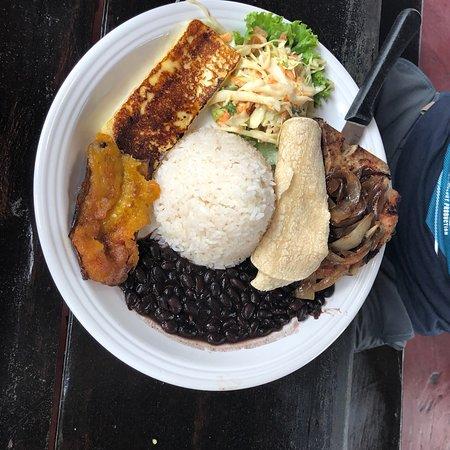 Tico y Rico Monteverde: photo1.jpg
