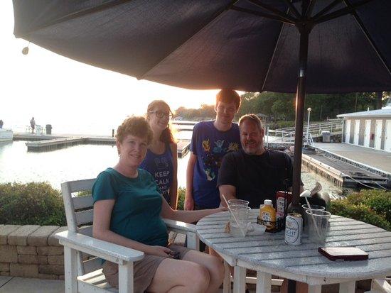Dockers Restaurant: Sunset dinner at Dockers