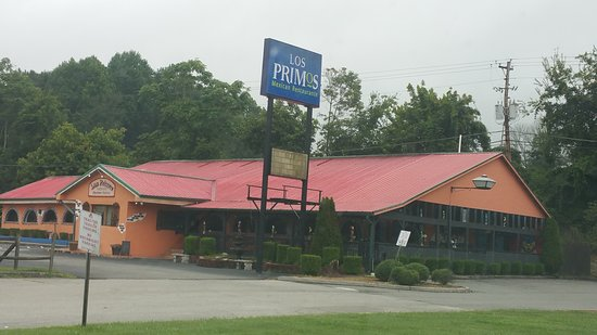 Harriman, TN: It's a very big resturant and bar.. Lots of parking