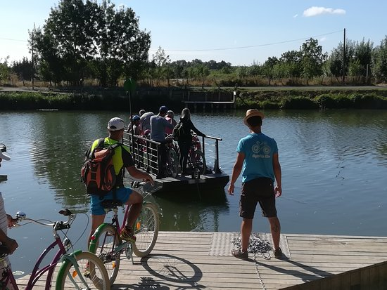 Maille, ฝรั่งเศส: D'une rive à l'autre