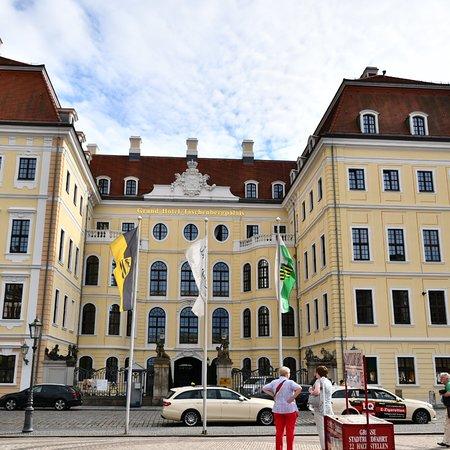 ケンピンスキー グランド ホテル タッシェンベルグパレ