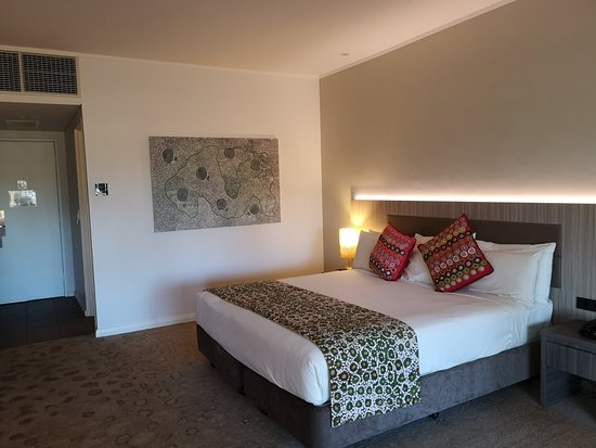 Desert Gardens Hotel, Ayers Rock Resort: IMG_20180811_173411_large.jpg