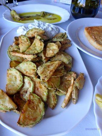 Methoni, Yunani: καλό το φαγητό ,καθαρό το μαγαζί