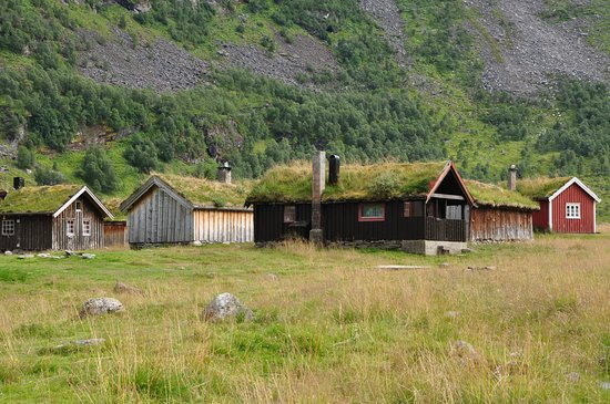Casette con tetto in erba