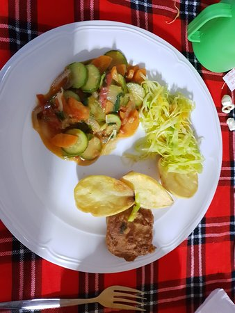 Mount Kenya: Delicious dinner prepared by Nicholas (Bongo) - This is just the first helping!!