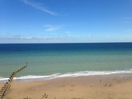 Overstrand, UK: the beach walk to Cromer