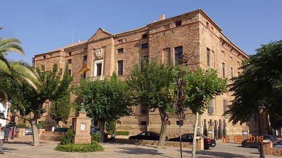 Viso del Marques, Spania: Il palazzo dall'esterno