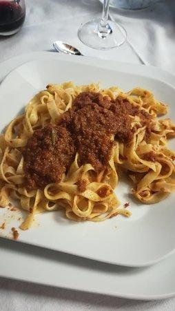 Cabella Ligure, Italy: TAGLIERINI FATTI IN CASA AL SUGO DI CARNE