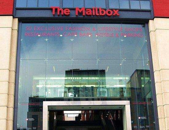 The Mailbox照片