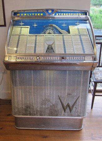 Lyonshall, UK: No money required for the Duke Box