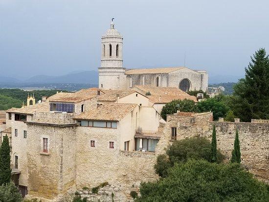 Spanish Trails by Alba Programas: view of Gerona, Spain