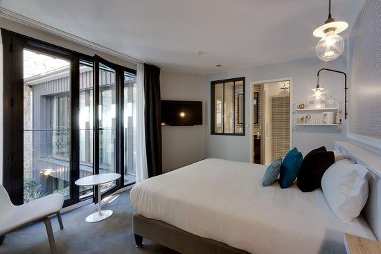 Chambre DELUXE - 17m2 - Picture of Hotel Les 2 Villas, Trouville-sur ...