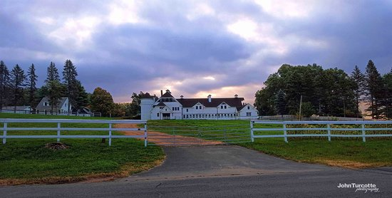 Suffield, CT: View of the barn from Mapleton Ave. Oct2015 by John Turcotte