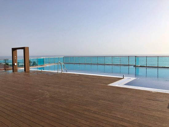 piscina infinity pool (only for superior rooms) - picture of hotel