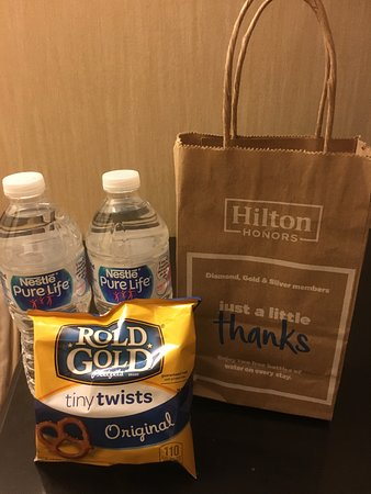 Embassy Suites by Hilton Washington-Convention Center: Free gift bag for Hilton Gold members