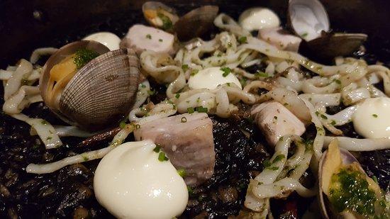 La Cala: Seafood paella