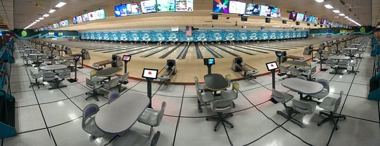 Appleton, WI: Panaramic shot of lanes