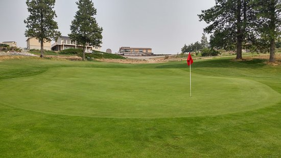 Pateros, WA: 8th green where I made a crazy putt for birdie from well above and left of the hole.