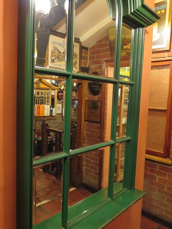 Great Cressingham, UK: Inside a bar
