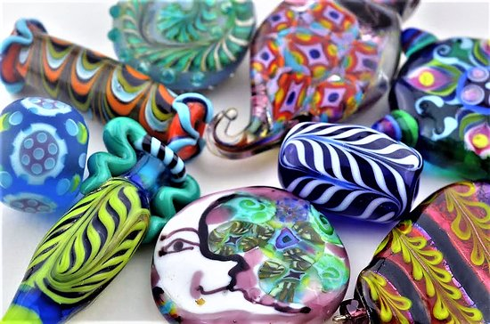 Mountain View, AR: Glass Beads and glass blowing