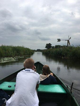 Overijssel, Nederland: Even een foto van de vaarten waar je doorheen komt.