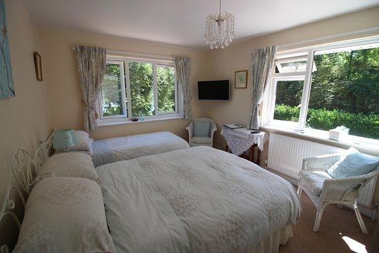 Owermoigne, UK: Bluebell Room dual aspect