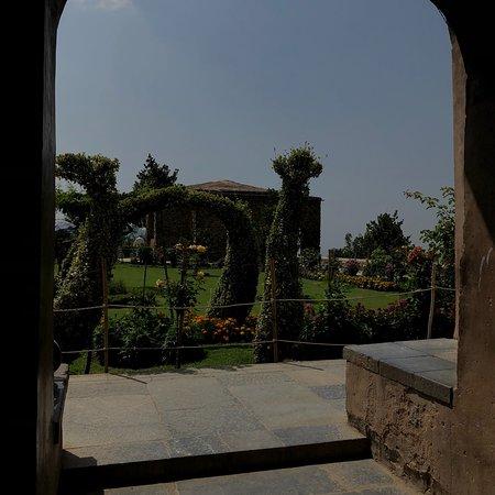 Mughal Gardens: photo0.jpg