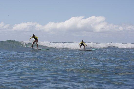 Uncle Bryan's Sunset Suratt Surf School: Togetherness!