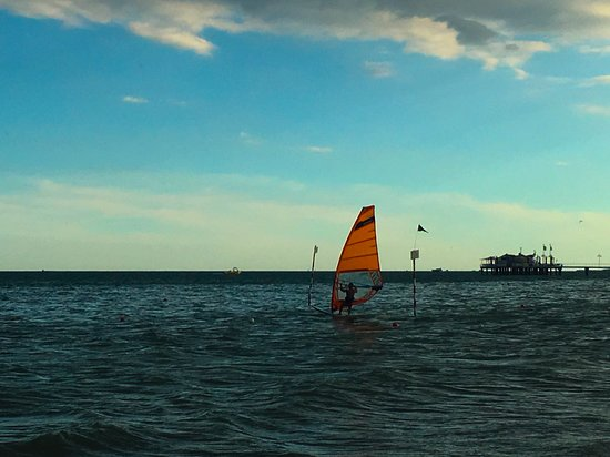 Spiaggia di Lignano Pineta : windsurf