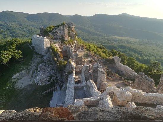 Regec, المجر: Romok a toronyból